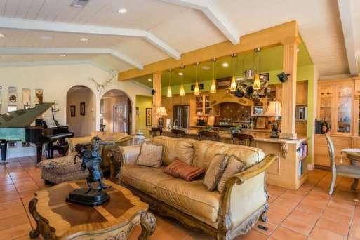 8268 ODonovan Rd Creston CA-small-009-8-Great Room-666x445-72dpi