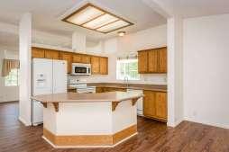 360 Bobwhite Dr Paso Robles CA-small-007-14-Kitchen-666x445-72dpi
